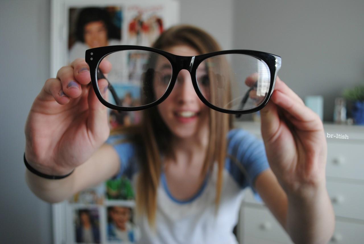 Tập nhìn đồ vật không cần dùng kính