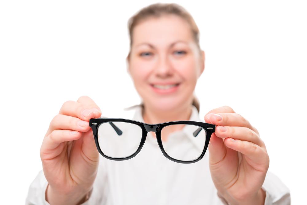 Hạn chế sử dụng kính sẽ giúp mắt bạn khỏe hơn